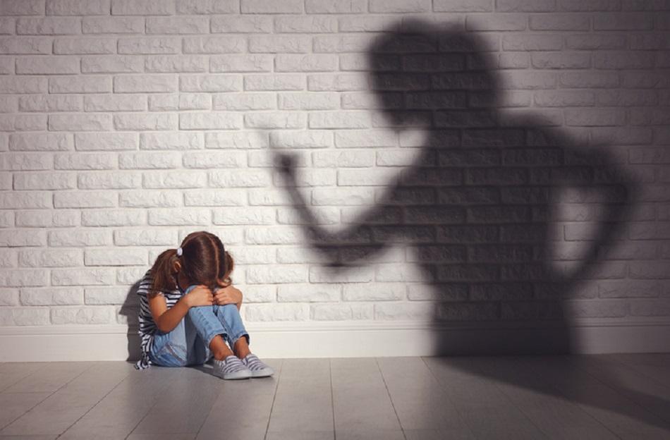 Çocuğun Yalan Söylediğini Fark Eden Ebeveynlerin Yapması Gereken 7 Şey