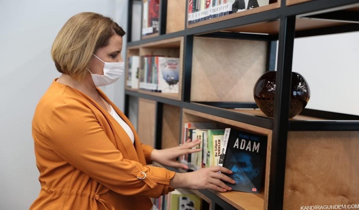 Gençler istedi, Başkan Hürriyet Kütüphanenin saatini uzattı
