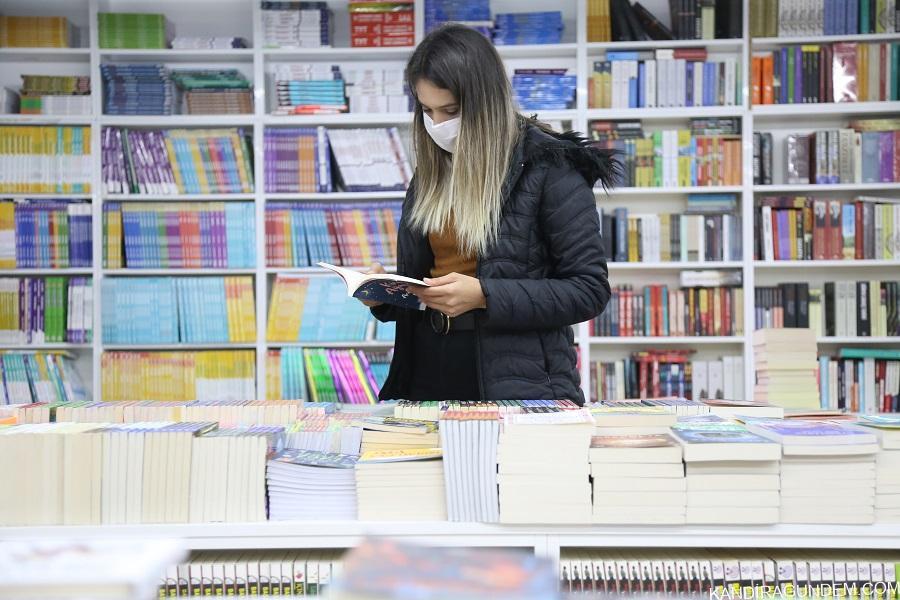 Korona virüs Türkiye'de okuma oranını arttırdı
